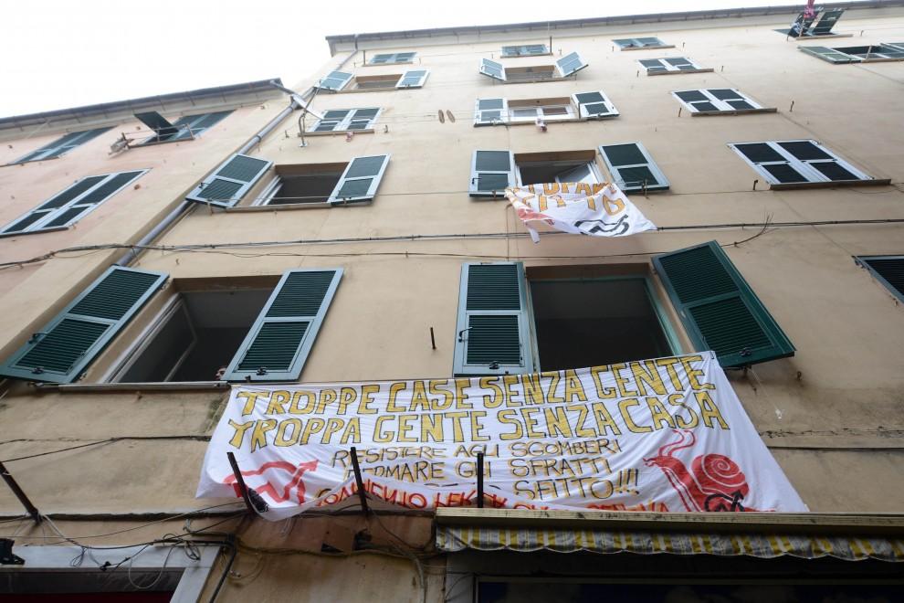 Via Savagnone, sgomberate altre 13 famiglie, mentre a Palermo 40 mila case vuote non si affittano
