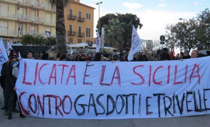 Manifestazione anti-trivelle a Licata: il 'No'' arriva dai cittadini, non dalla politica/ MATTINALE 251
