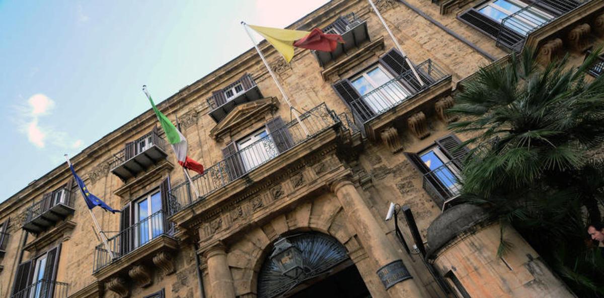 Mettere fuori dal Governo l'assessore Mariella Ippolito per bloccare i Centri per l'impiego e sbolognare a Roma Formazione e Sportelli?