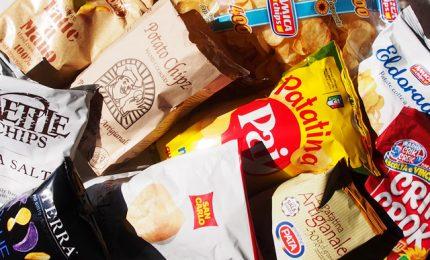 Ci avete mai fatto caso? Le patatine fritte al supermercato costano oltre 40 euro al Kg!/ VIDEO