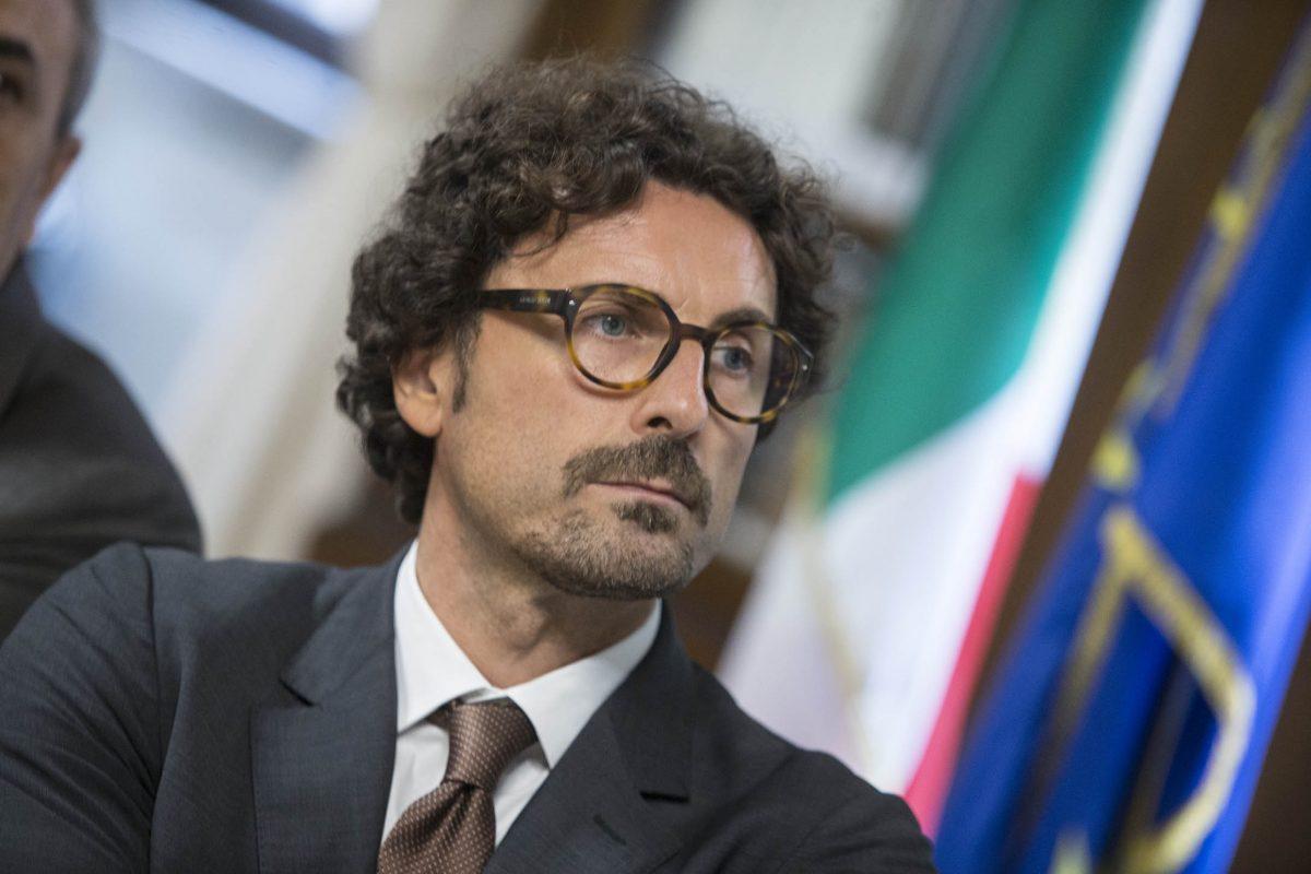 Con il blocco degli aumenti nelle autostrade il Ministro Toninelli ha dato scacco matto al PD e a Forza Italia
