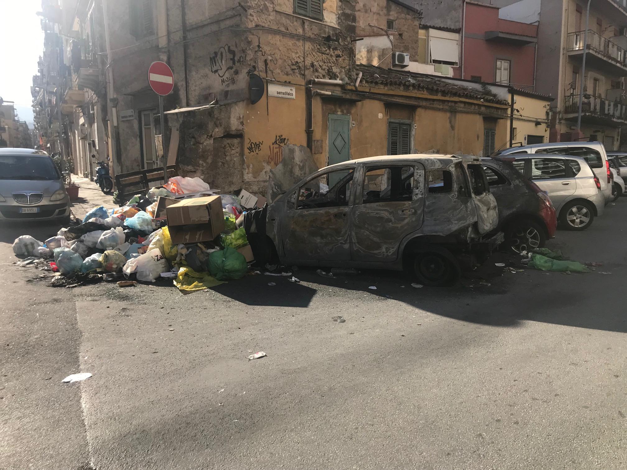Palermo, paesaggio dopo la 'battaglia' sui rifiuti in via Serradifalco