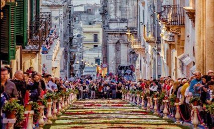 Noto, quest'anno l'Infiorata verrà dedicata ai Siciliani nel mondo