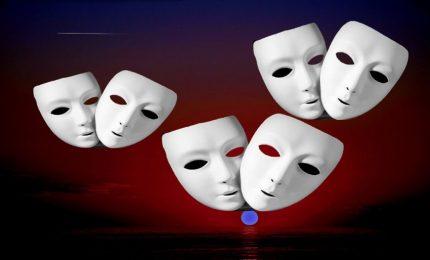 Il 'caso' Ruggirello e la vecchia politica siciliana in maschera che governa sempre con gli stessi voti