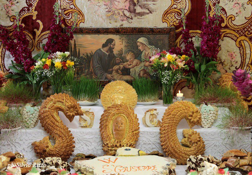 """La storia della Festa di San Giuseppe in Sicilia (dolci compresi, """"Sfinci"""" in testa)"""