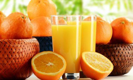 Spremute di arance negli uffici, nelle scuole, negli ospedali e nelle università