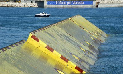 Tangenti del Mose di Venezia: sequestro da 12 milioni di euro. Sì, le grandi opere ci vogliono...