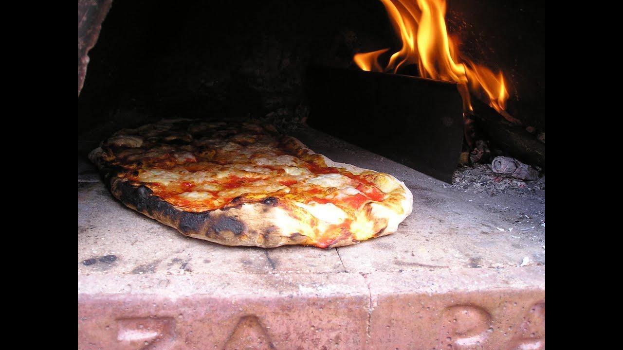 Legna fuorilegge nelle pizzerie: multe 'salate' in Campania. Arriveranno anche in Sicilia?
