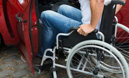 Acqua calda/ I grillini siciliani scoprono che mancano i soldi per gli studenti disabili...