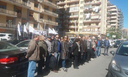 Politiche del lavoro in Sicilia: gli ex sportellisti all'attacco dei sindacati confederali