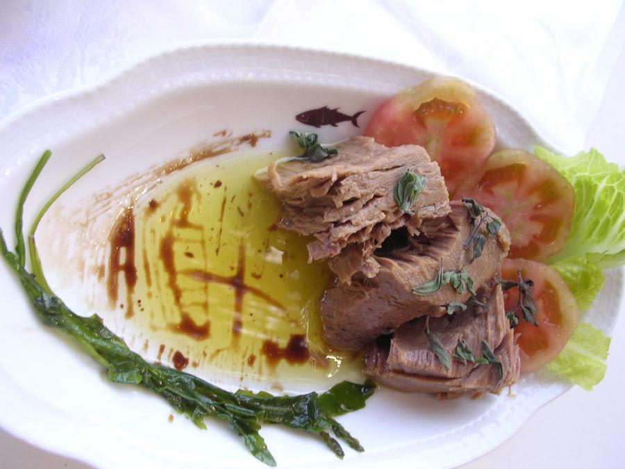 Compra Sud 3/ Dove acquistare il tonno in scatola, l'olio d'oliva, i prodotti sott'olio, i legumi e le pesche sciroppate del Sud