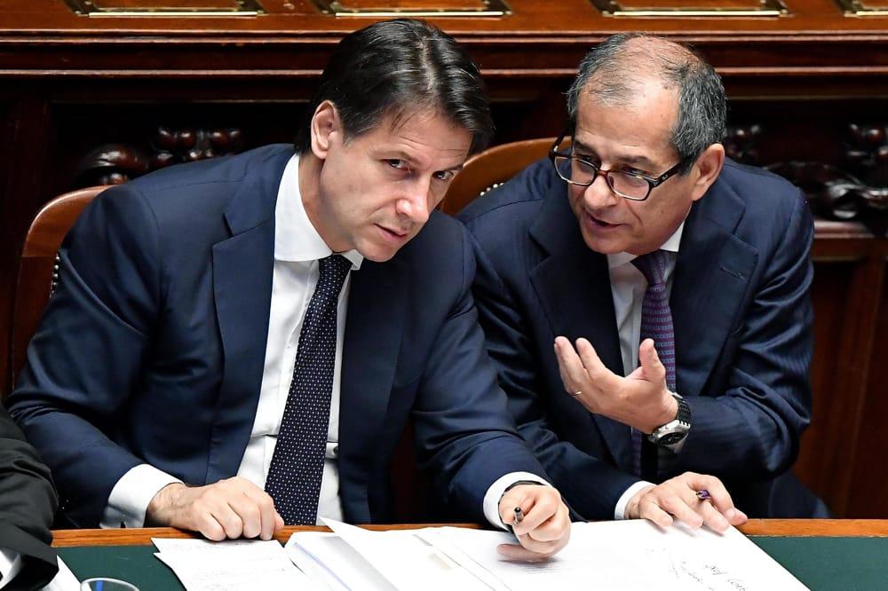 Ma chi è Tria per 'bocciare' i minibot? Il 'commissario' dell'Italia per conto della UE?