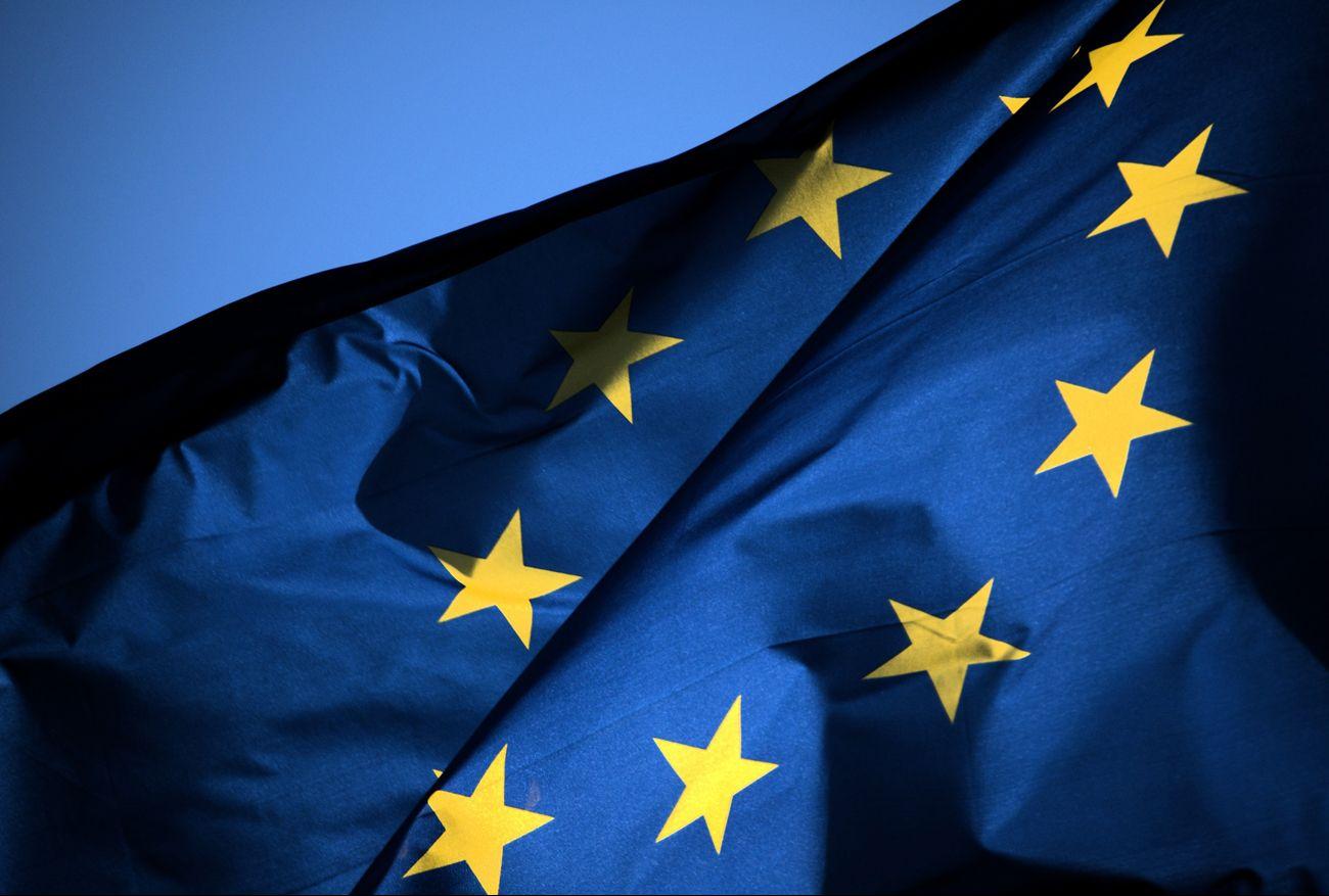 """La procedura d'infrazione contro l'Italia? Diego Fusaro: """"Uscire subito dall'Unione Europea"""""""