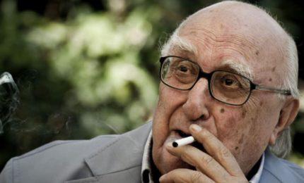 Addio ad Andrea Camilleri, lo scrittore che ha portato nel mondo la lingua siciliana dei 'marinisi'