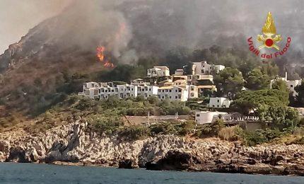 Dopo due anni torna il fuoco a Calampiso (e tornano i Canadair...)