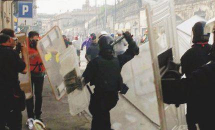 Il ricordo del G8 di Genova del luglio 2001, quando prende il via il massacro di classe