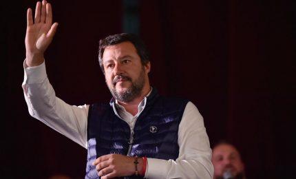 """Quanti Paesi si affacciano nel Mediterraneo? Solo due: Libia e Italia... Quindi """"Porti aperti"""" e voti a Salvini!"""