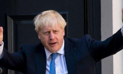Boris Johnson, con la sponda 'reale', blocca il Parlamento che voleva bloccare la Brexit