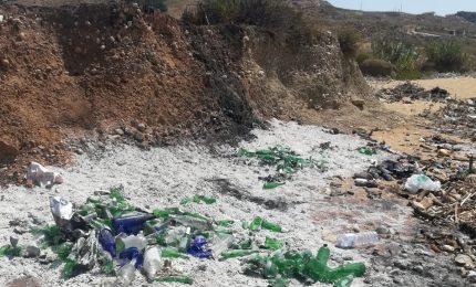 Nella spiaggia di Piana Grande, a Ribera, si rischia il disastro ecologico! (VIDEO)