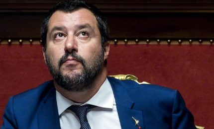 """Che succede alla 'macchina' mediatica di Salvini? In poche ore ha perso 100 mila """"mi piace""""..."""