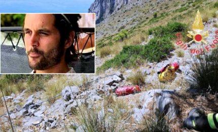 Simon, il giovane turista francese morto in un crepaccio del Cilento si sarebbe potuto salvare?