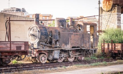 In Sardegna valorizzano le tratte ferroviarie a scartamento ridotto, in Sicilia le abbiamo abbandonate