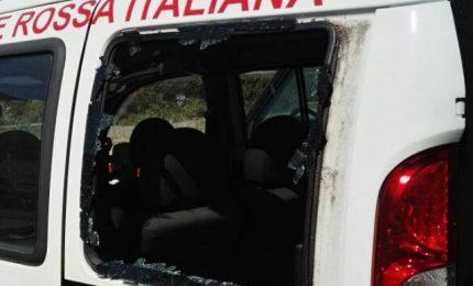 """Stop alla benedizione dei mezzi della Croce Rossa: """"Offende i musulmani"""""""