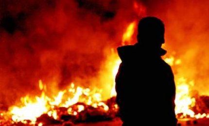 Sardegna: 71 anni, perde la casa per problemi economici, lo sfrattano e lui la incendia