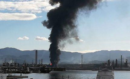 Altro incendio a Milazzo: ma quando la chiuderanno 'sta Raffineria che non serve alla Sicilia?