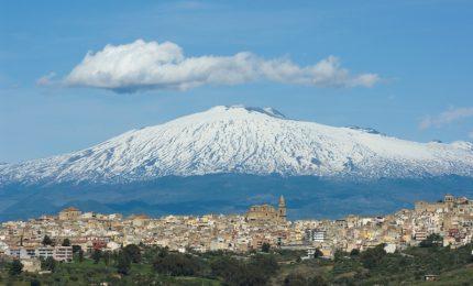 La Sicilia come la Grecia: e venne l'ora delle svendite! E sull'Etna il sindaco di Linguaglossa...