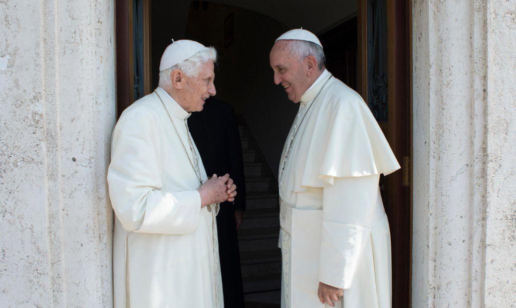 Diego Fusaro e il mistero della sostituzione di Papa Ratzinger con Papa Francesco (VIDEO)
