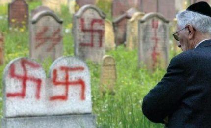 Non è che l'antisemitismo serve a nascondere i veri problemi dell'Italia?