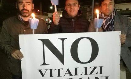 Vitalizi: ridicolo il taglio del 9% proposto dall'Ars. Ieri manifestazione promossa da Vincenzo Figuccia