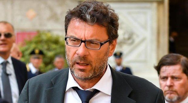 Report: del leghista Giancarlo Giorgetti che se la dà a gambe davanti ai microfoni ne vogliamo parlare?
