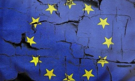Come l'euro ha cancellato 150 anni di diritti sociali con la 'benedizione' della sinistra (VIDEO)