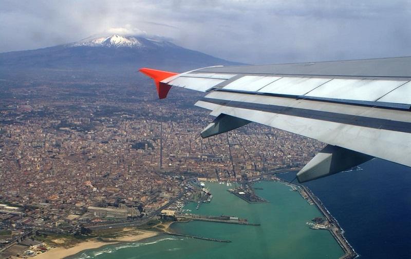 La compagnia aerea siciliana ha senso se si blocca la privatizzazione dell'aeroporto di Catania