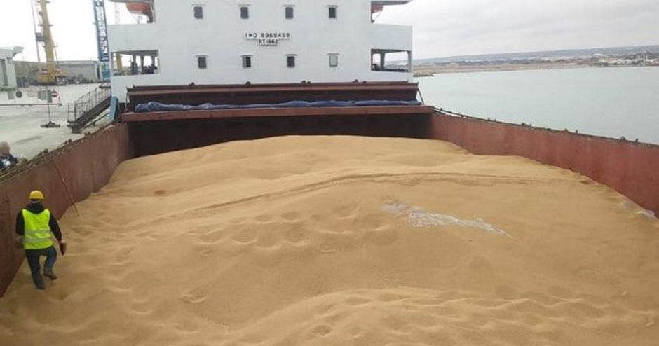 Olè: un milione di quintali di grano estero – canadese e turco – è arrivato nel porto di Bari!