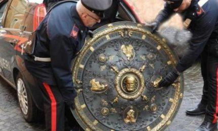 """Recuperato lo """"Scudo di Garibaldi"""". Tranquilli, siciliani: resta a Roma"""