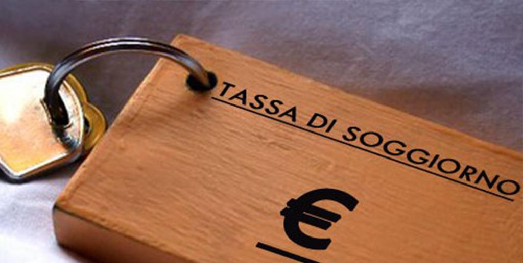 Il 'regalo' del Governo Conte bis ai turisti: tassa di soggiorno raddoppiata