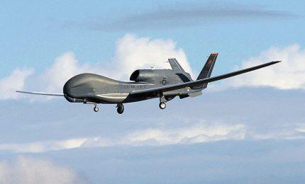 """Allegria: a Sigonella c'è un drone-spia! Si chiama Global Hawk, localizza le armi e ottimizza le """"strategie militari""""..."""