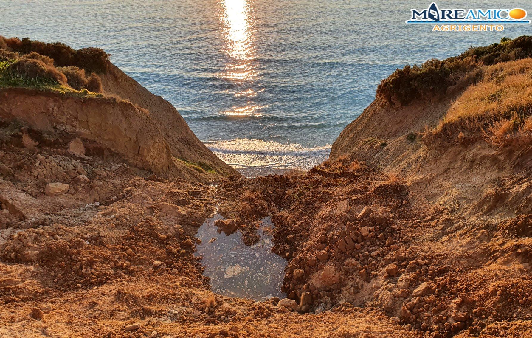 Dopo Eraclea, Scala dei Turchi e San Leone anche Punta Bianca sta scomparendo (VIDEO)