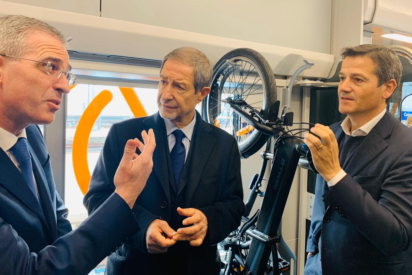 In Sicilia arrivano i nuovi treni, un giorno, forse, arriveranno le nuove ferrovie e i raddoppi ferroviari…