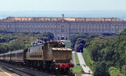 A Napoli un treno storico arriva alla Reggia di Caserta, a Palermo il Tram arriva nel Centro commerciale...