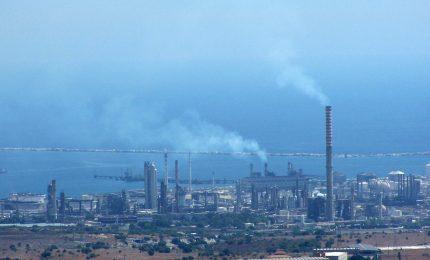 Veleni in Sicilia come a Taranto: continuiamo a inquinare la Valle del Mela e il Siracusano o ci fermiamo?