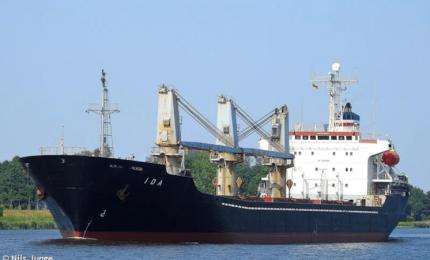 Una 'tempesta' di navi cariche di grano estero sta invadendo la Sicilia e la Puglia!