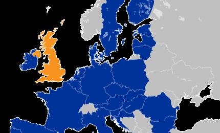 Gli inglesi temono l'arrivo in Europa di decine di milioni di migranti. La paura del Coronavirus