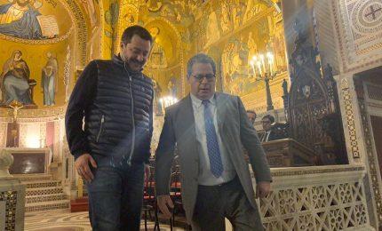 Matteo Salvini (senza cravatta), i luoghi comuni sulla Sicilia e la 'paciata' con Gianfranco Miccichè
