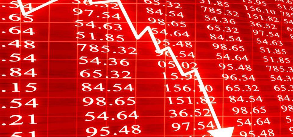 L'economia italiana affonda: – 17% in Borsa e interessi sui BTP decennali aumentati del 49%!