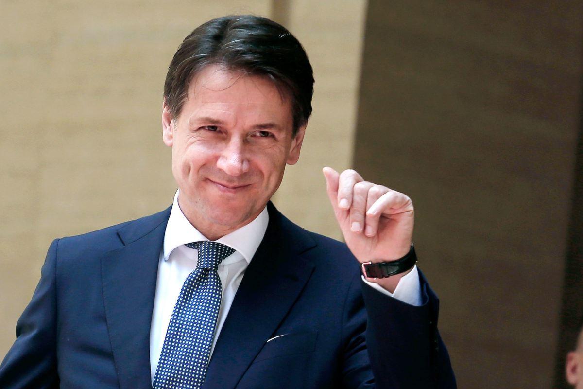 Ma come gli viene in testa a Conte di invocare il MES mentre l'Italia annaspa nel dramma del Coronavirus?/ MATTINALE 465