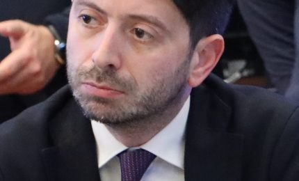 Ministro Speranza: chi controlla i passeggeri degli aerei che arrivano in Sicilia  dalle Regioni più esposte al Coronavirus?